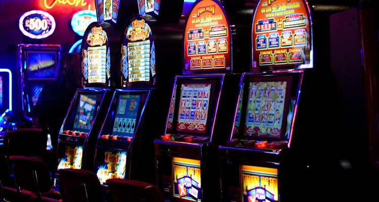How online slots are a good option when comparing with the offline slots?
