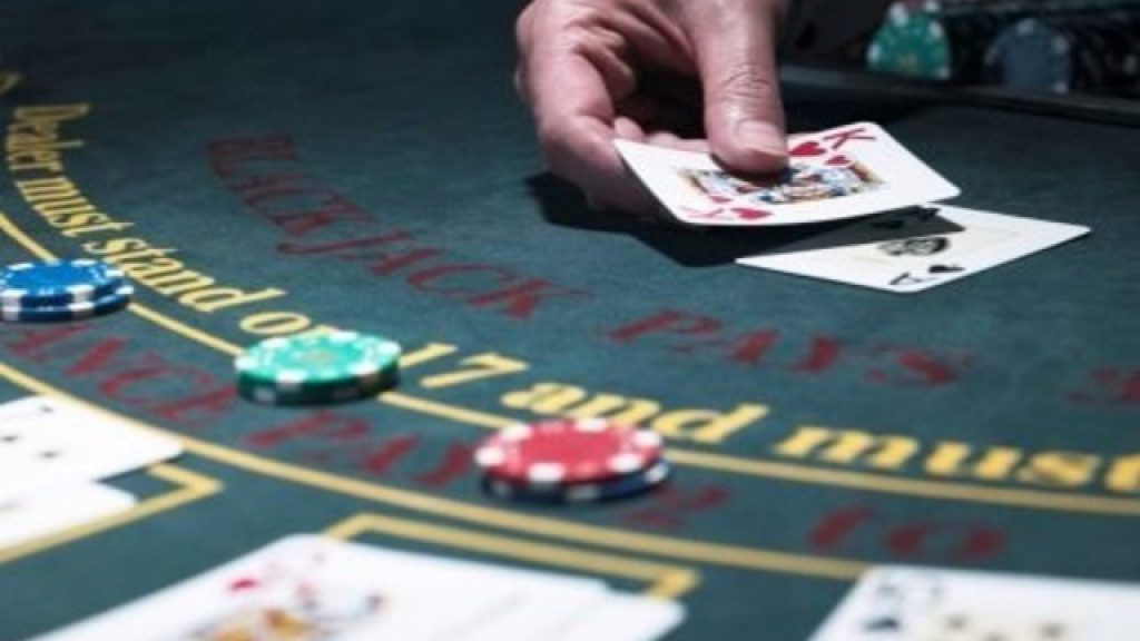 Why People Love Playing Online Casino Gambling Games?